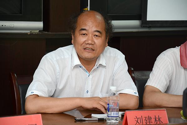校长刘建林深入洛南调研秦岭植物良种繁育工作图片